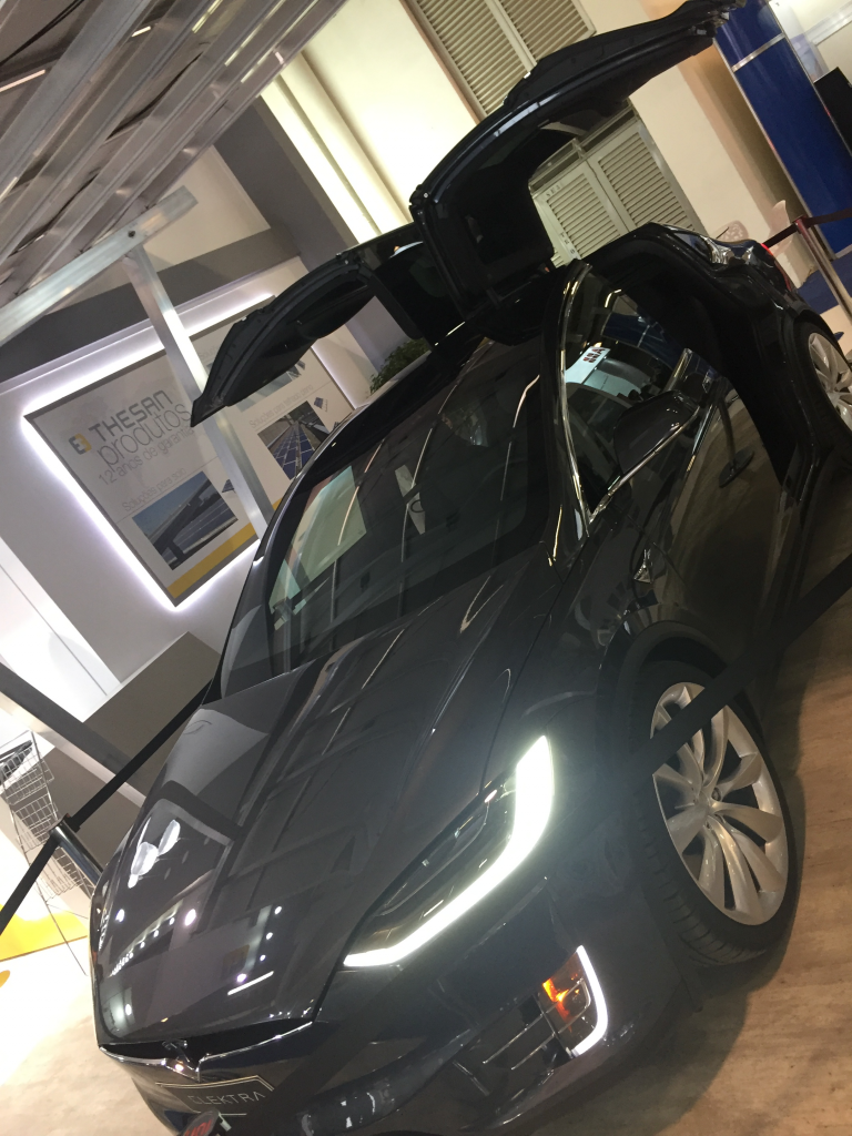 Model X Tesla Elektra Intersolar 2017