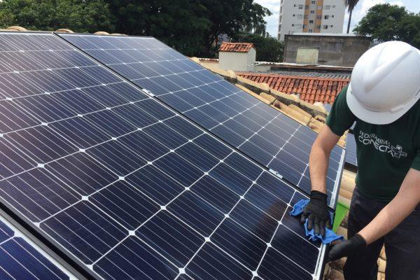 Manutenção energia solar fotovoltaica