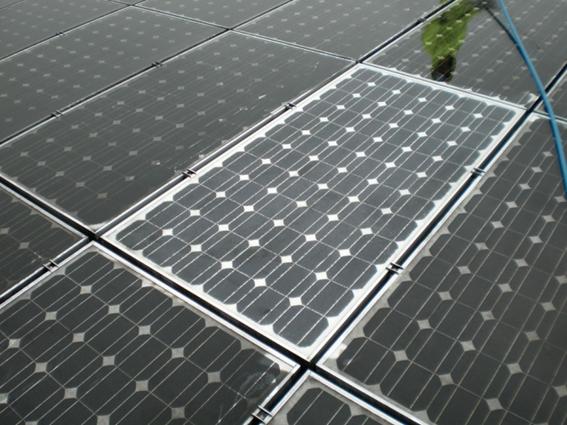 Manutenção em sistemas solares fotovoltaicos